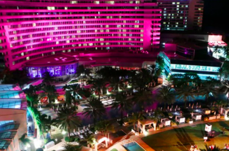 Fontainebleau Miami Beach Raises Awareness for Breast Cancer Research with Ninth Annual Bleau Goes Pink® Campaign