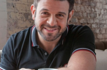 Adam Richman Mixing It Up on the Miami River