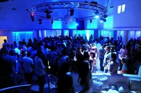 Experience Pearl Lounge at Nikki Beach Miami