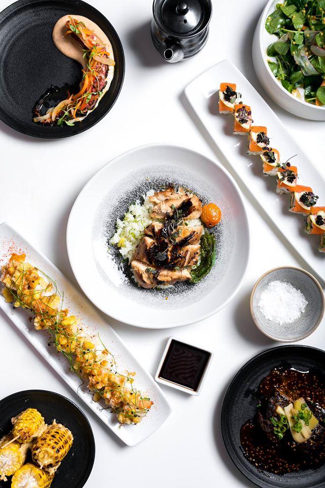 South Beach Katsuya artfully blends master sushi Chef Katsuya Uechi's fresh take on classic Japanese cuisine with the pulsating vibe of South Beach.