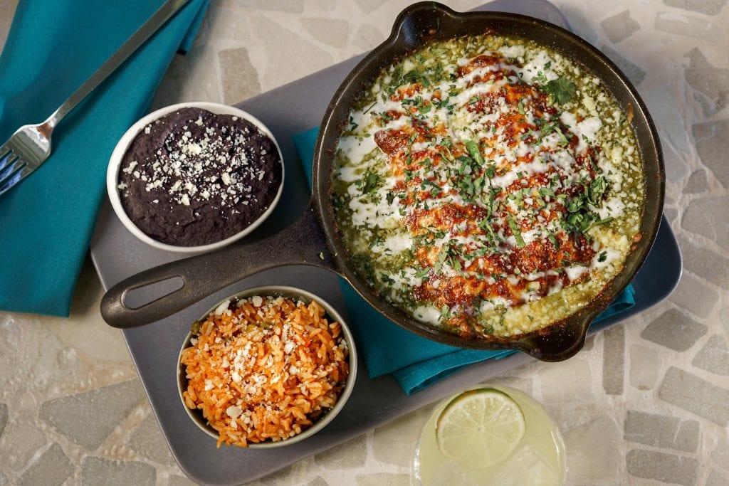 Serena Moxy Enchiladas con Pollo en Salsa Verde