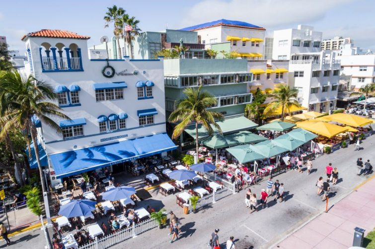 SOUTH BEACH HOTELS PHOTO JEFFREY GREENBERG UNIVERSAL IMAGES GROUP VIA GETTY IMAGES